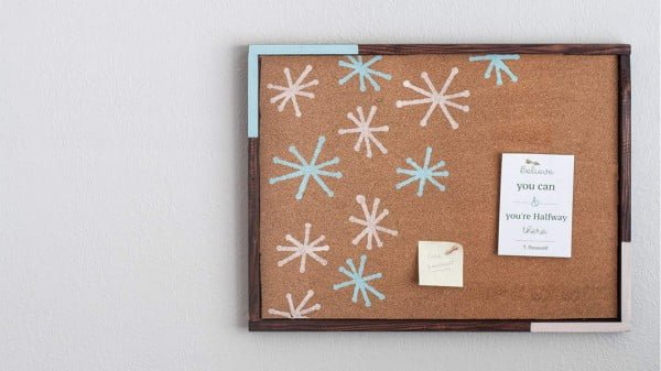 How To Make A Stenciled Bulletin Board #DIY #homedecor #homeoffice