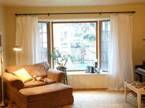 Two Sheets to the Window: Easy DIY Curtains #DIY #homedecor