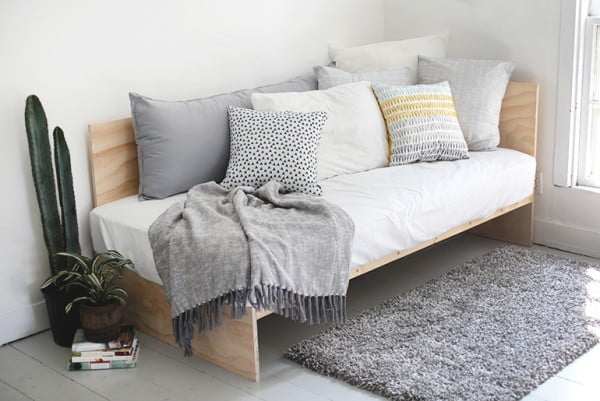 14 Easy DIY Daybed Ideas That You Can Build on a Budget