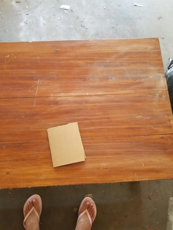 Easy DIY Farmhouse Coffee Table