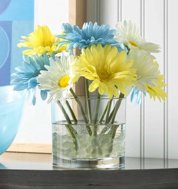 Easy DIY Flower Arrangement Gift in Minutes #DIY #fauxflowers #homedecor
