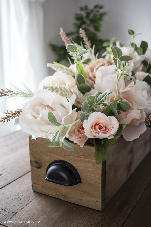 DIY Faux Floral Arrangement: Feminine Yet Rustic Crate #DIY #fauxflowers #homedecor
