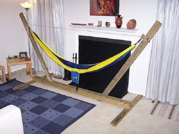 DIY hammock stand in 3 steps