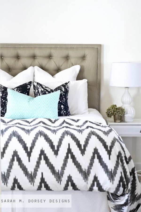 Tufted Headboard with Nailhead | How To - Dorsey Designs #diy #homedecor #bedroomdecor