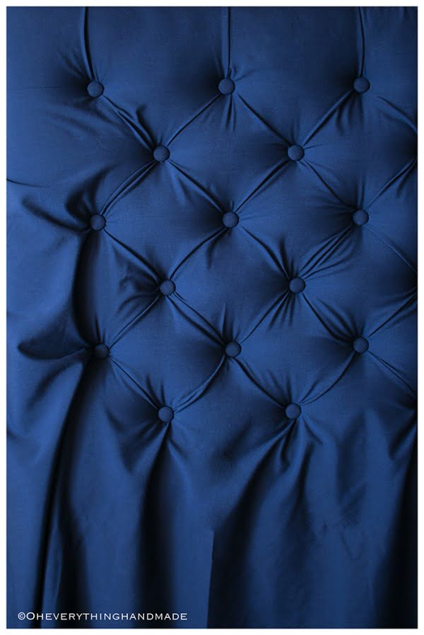How To Make A Tufted Headboard For Under $100 » #diy #homedecor #bedroomdecor