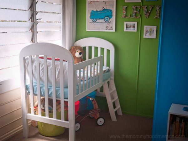 DIY on a dime: How to make a toddler loft bed out of an old crib #DIY #furniture #bedroom #homedecor