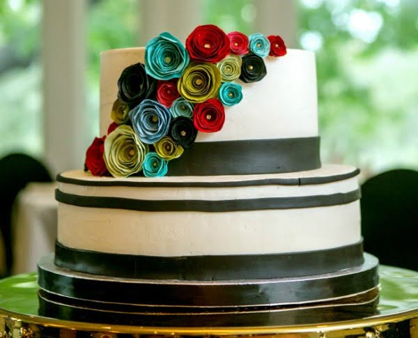 DIY Paper Flowers to Adorn Gifts, Cakes, Cards, Parties... -