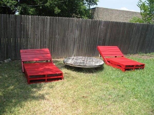 Pallet Garden Loungers #DIY #patio #backyard #outdoors #furniture