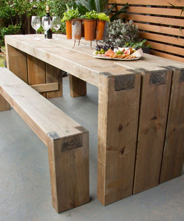 How to create an outdoor table and benches #DIY #patio #outdoors #backyard #furniture