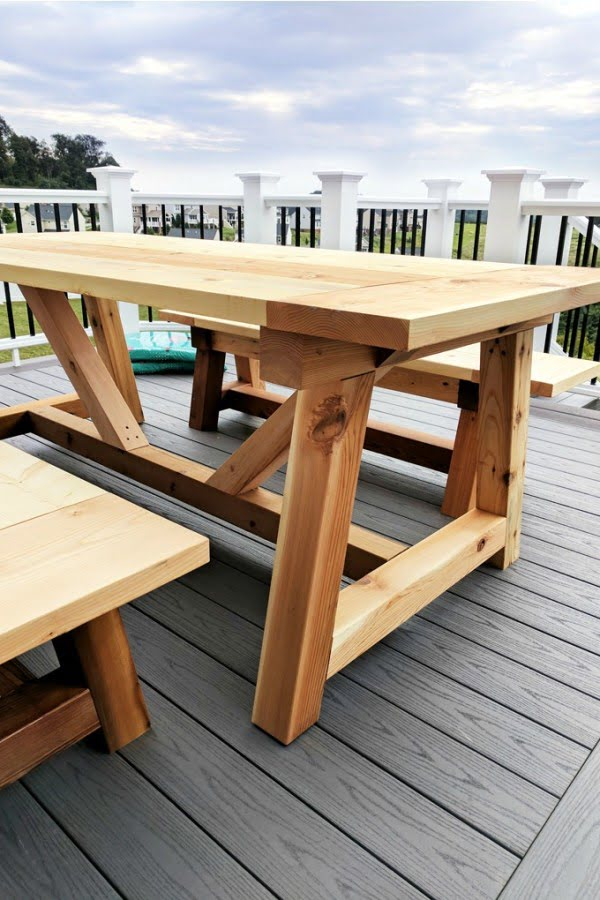 DIY Truss Beam Farmhouse Style Outdoor Table and Benches (Restoration Hardware Inspired) #DIY #patio #outdoors #backyard #furniture