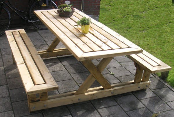Picnic Table #DIY #patio #outdoors #backyard #furniture