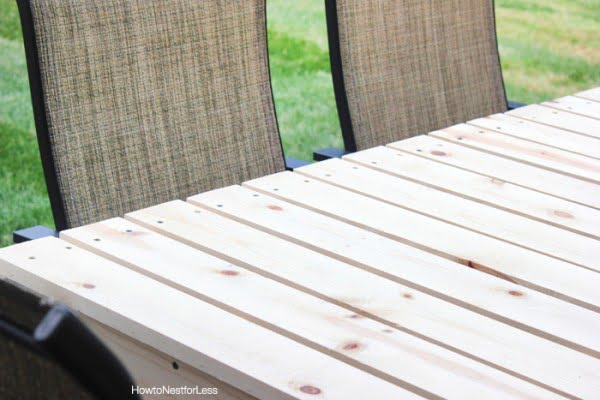How to Build a Patio Dining Table #DIY #patio #outdoors #backyard #furniture