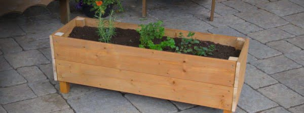Cottage Life simplified: DIY Planter Box video