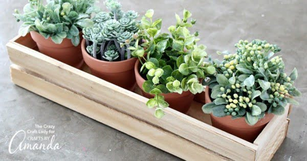 Wood Shim Planter Box: a DIY that's easy enough to tackle!