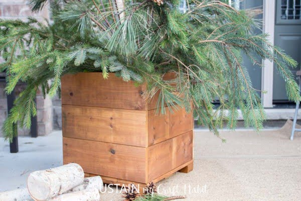 Wooden DIY Planter Box   ing