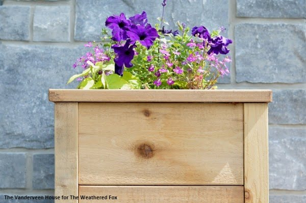 How To Build A Cedar Planter With Rough Cut Lumber   ing