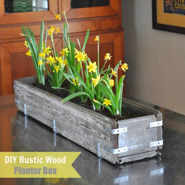 DIY Rustic Wood Planter Box   ing