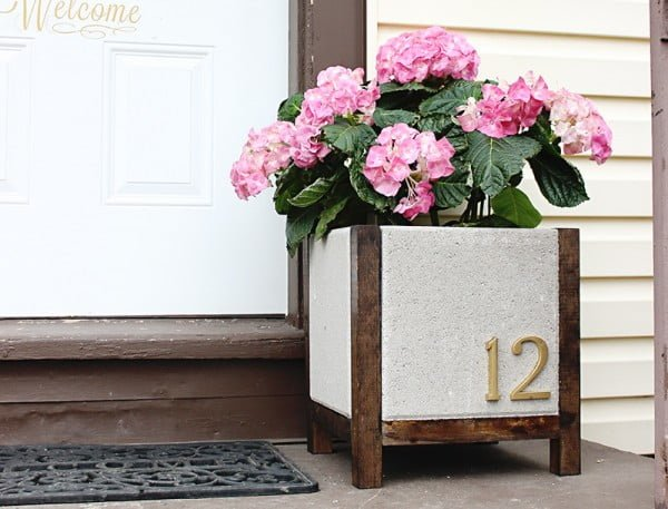 Easy DIY Planter Box (Paver Planter) Tutorial and Tips   ing