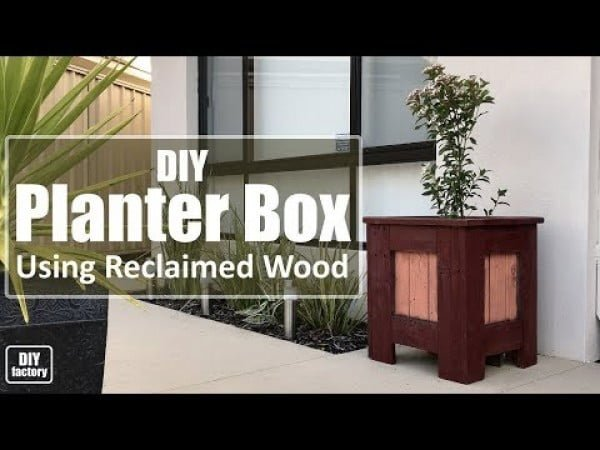 Planter Box Using Reclaimed Wood   ing