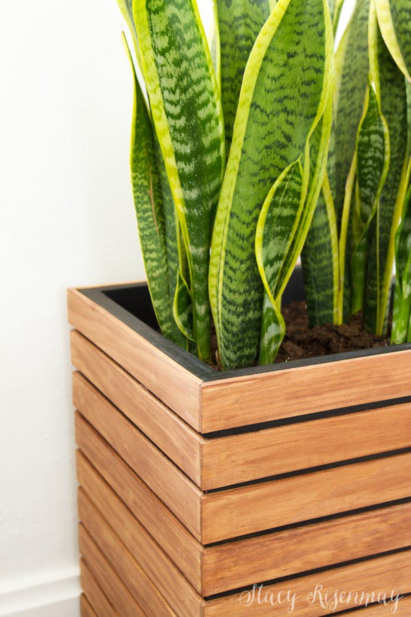 DIY Modern Planter Box   ing