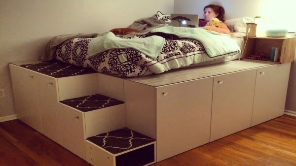 This DIY Platform Bed Saves Space, Has Tons of Storage #diy #homedecor #bedroomdecor
