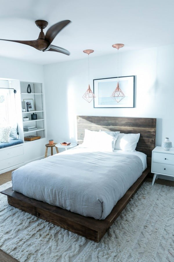 DIY Reclaimed Wood Platform Bed #DIY #reclaimedwood #homedecor #rustic #farmhouse