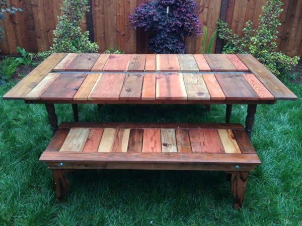 DIY Reclaimed Wood Picnic Table #DIY #reclaimedwood #homedecor #rustic #farmhouse