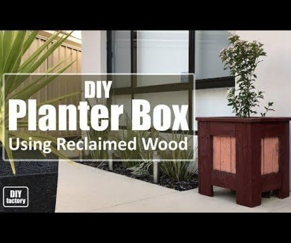 Planter Box Using Reclaimed Wood #DIY #reclaimedwood #rustic #homedecor #farmhouse