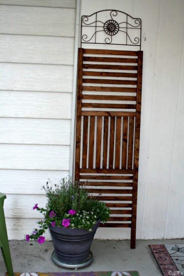 $12 Outdoor Trellis/Privacy Screen {DIY}