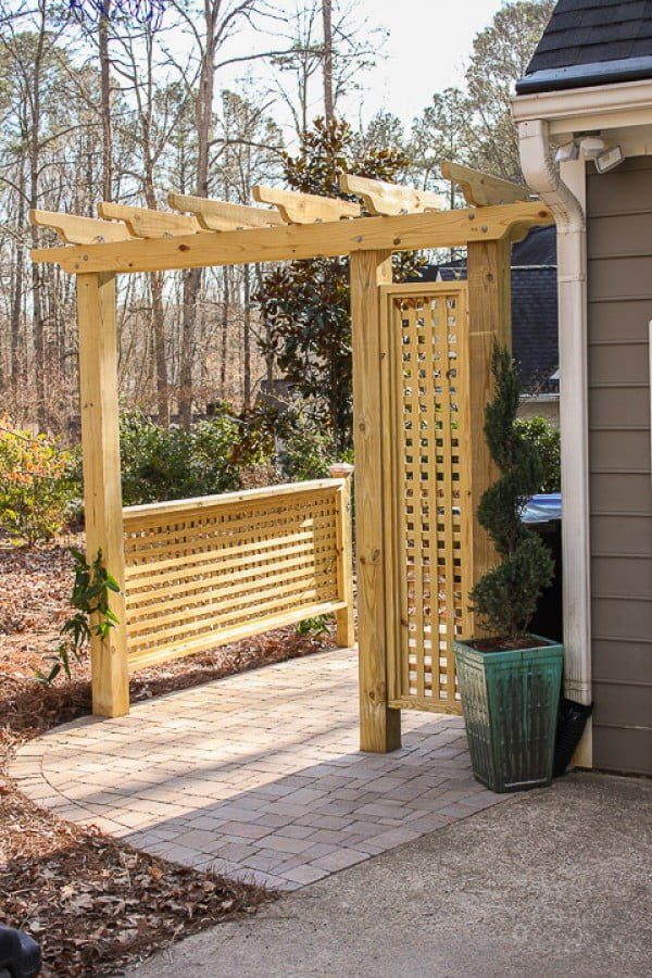 Build a Pergola with Trellis Screens (hide those trash cans)