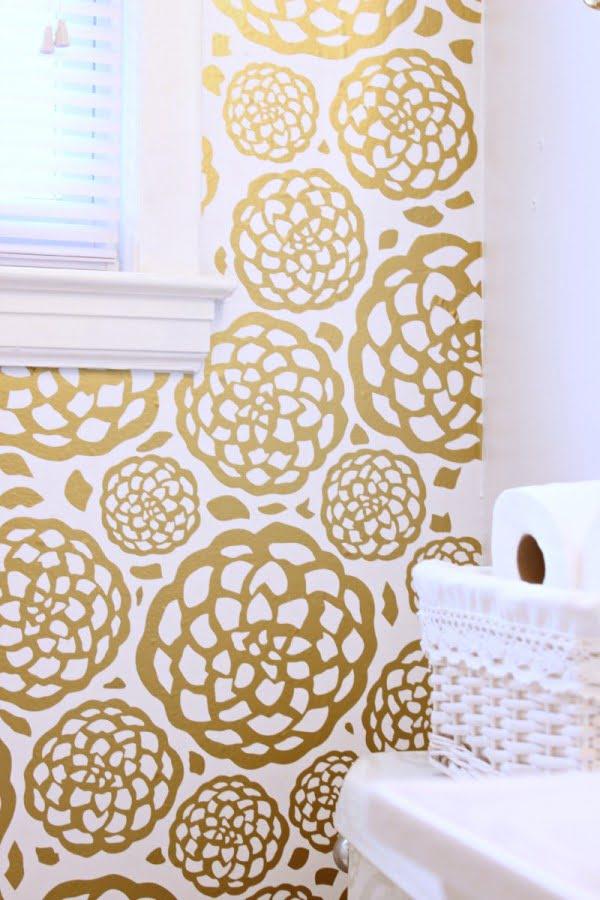 DIY Floral Faux Wallpaper #DIY #walldecor #homedecor