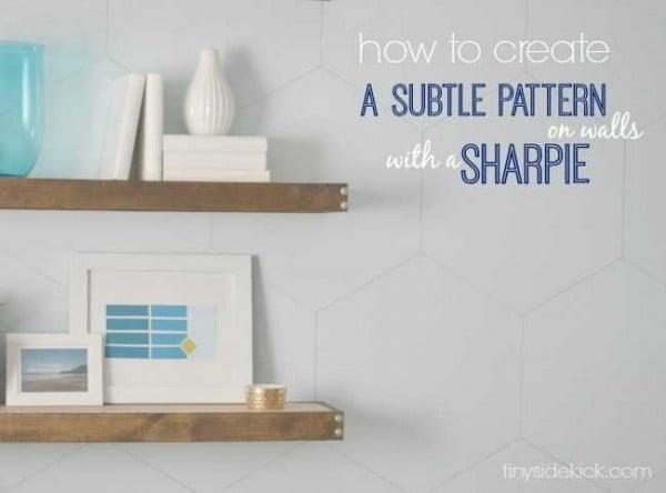 DIY Hexagon Sharpie Wallpaper {tutorial} #DIY #homedecor #walldecor