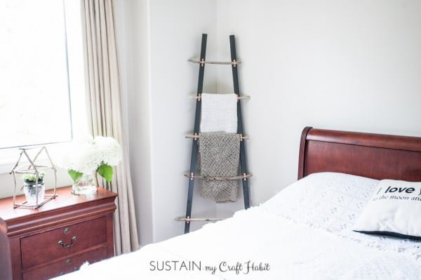 How to Make a DIY Rustic Coastal Blanket Ladder with Driftwood: The Graystone Beach – Sustain My Craft Habit #DIY #woodworking #storage #organize #homedecor