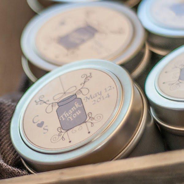 DIY Soy Candle Wedding Favors #DIY #candle #homdecor #crafts