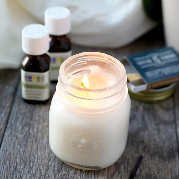 Homemade Aromatherapy Candles #DIY #candle #homdecor #crafts