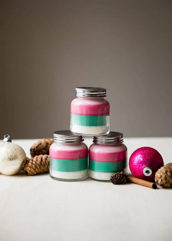 Layered Scent DIY Holiday Candles #DIY #candle #homdecor #crafts