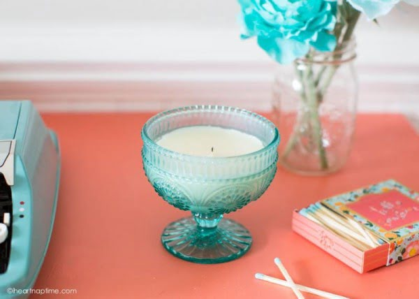 Homemade Candle Gift Idea #DIY #candle #homdecor #crafts