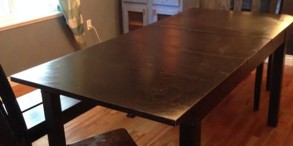How I Forced An Ikea Table To Turn Into A DIY FarmHouse Table (Photos) #DIY #furniture #homedecor #woodworking