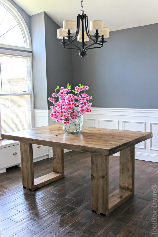 DIY Husky Modern Dining Table #DIY #furniture #homedecor #woodworking