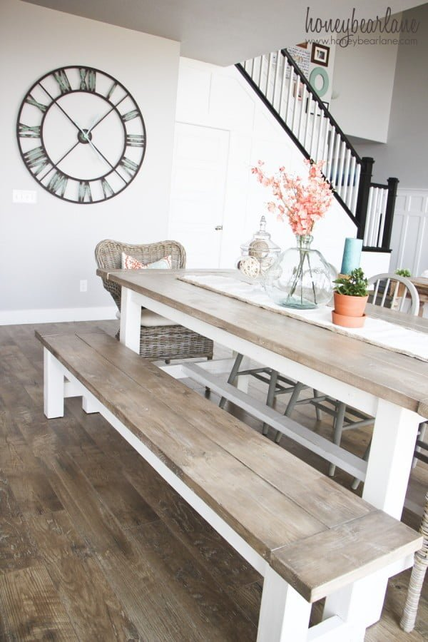 DIY Farmhouse Table and Bench #DIY #furniture #homedecor #woodworking