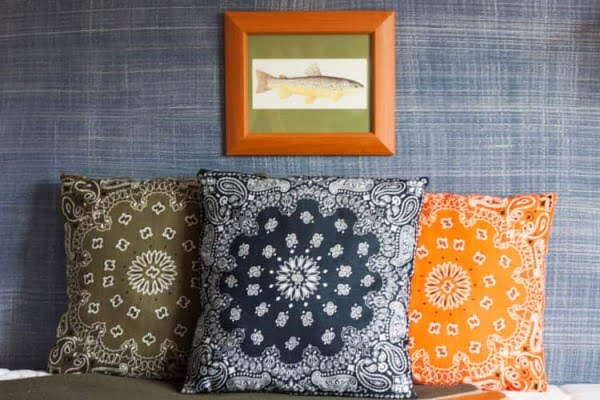 DIY Bandana Pillows. AKA We're Going Bandanas!