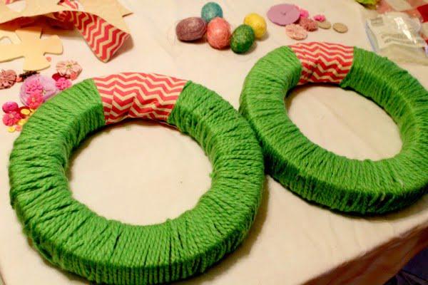 DIY Easter Wreath (kid-friendly craft)  wreath