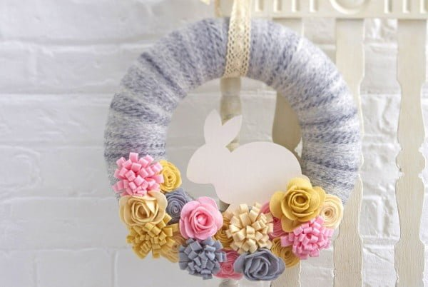 How to Make a Felt Easter Bunny Wreath  wreath