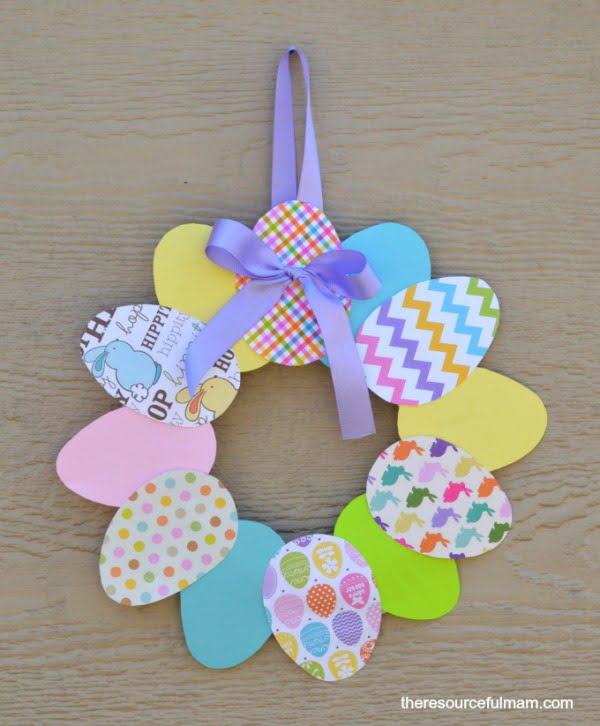 DIY Paper Easter Wreath #easter #easterwreath #wreath #DIY #crafts #homedecor #springdecor