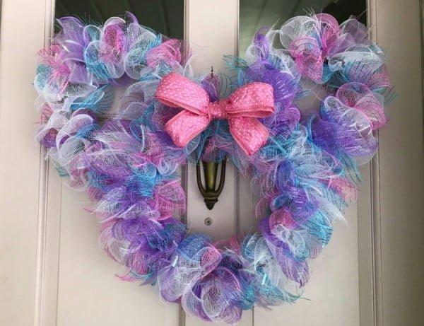 DIY Disney: Minnie Easter Wreath #easter #easterwreath #wreath #DIY #crafts #homedecor #springdecor