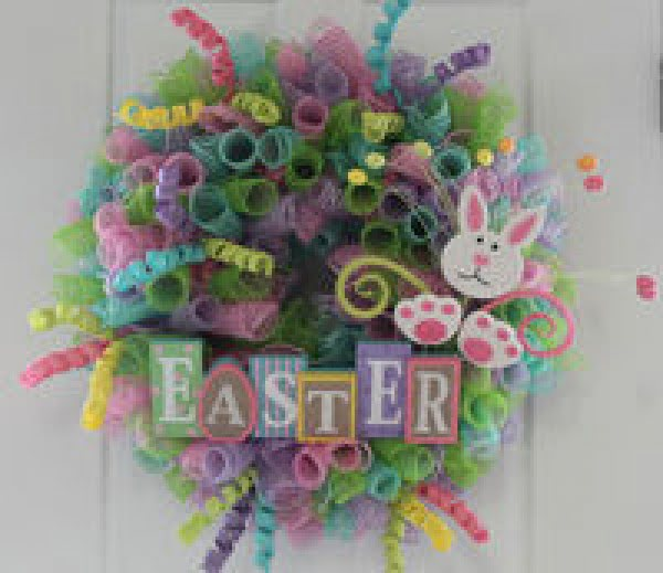 DIY Mesh Easter Wreath  wreath
