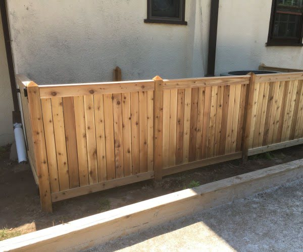 DIY Fence With Removable Sections #DIY #backyard #garden #woodworking