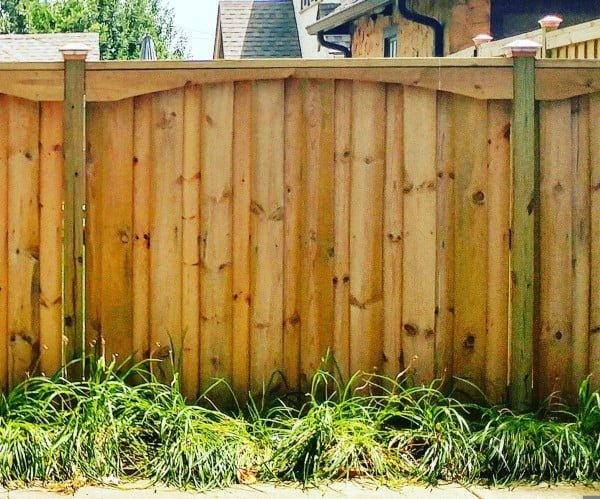 Fancy Fence #DIY #backyard #garden #woodworking
