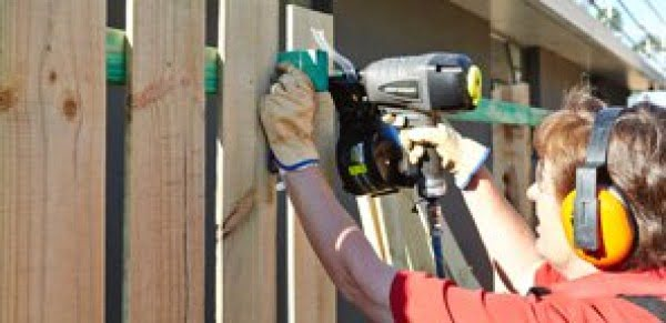 How To Build A Fence #DIY #garden #backyard #woodworking