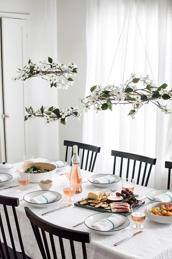 DIY Minimal Floral Chandeliers #DIY #floral #chandelier #homedecor #lighting